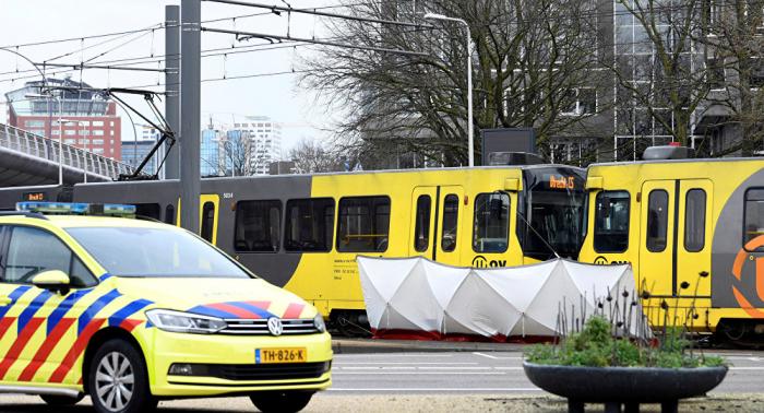 مقتل شخص واحد في حادث ترام هولندا ومنفذ الهجوم مازال طليقا