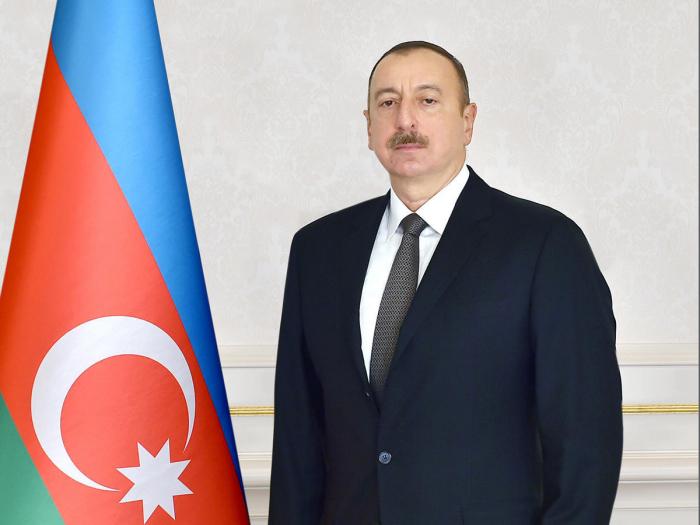 Presidente Ilham Aliyev felicita a su homólogo pakistaní