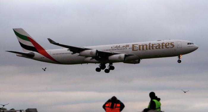 """طائرة """"الإماراتية"""" تهبط بشكل اضطراري في مدينة روسية"""