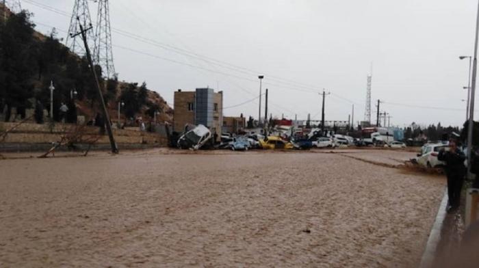 Iran:   11 morts dans des inondations