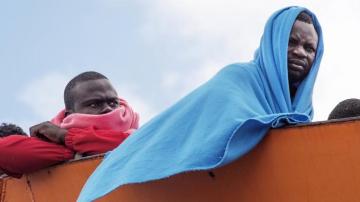 Italien blockiert Häfen für Schiff mit geretteten Migranten