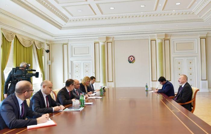 Azerbaijani president receivesdelegation led by EBRD president