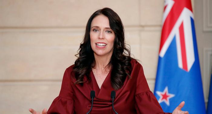 """بعد قولها """"السلام عليكم""""... رئيسة وزراء نيوزيلندا: مرتكب المذبحة سيواجه كل قوة القانون"""