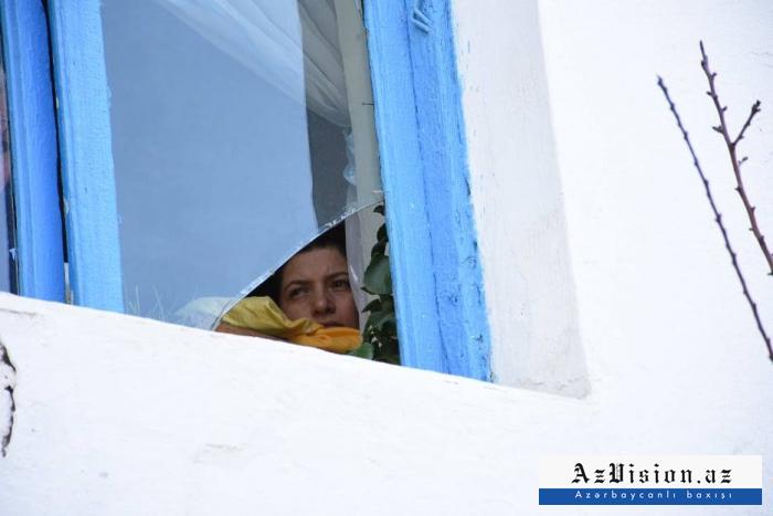 Əfv olunan 25 qadın azadlığa buraxıldı - FOTOREPORTAJ