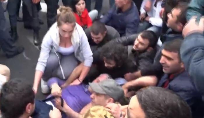 İrəvanda etiraz aksiyası: 16 nəfər saxlanıldı - VİDEO (Yenilənib)
