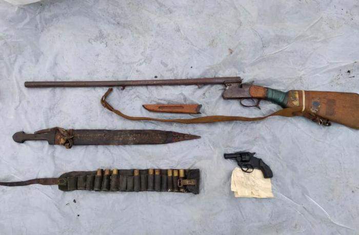Quba sakininin həyətində silah-sursat aşkarlandı - FOTO