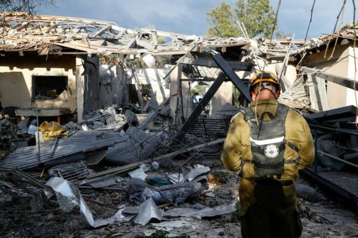 Israël: Une roquette frappe au nord de Tel-Aviv, cinq blessés