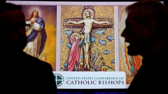 Encuesta: 37 % de los católicos de EE.UU. evalúan abandonar la iglesia tras los escándalos de abuso infantil