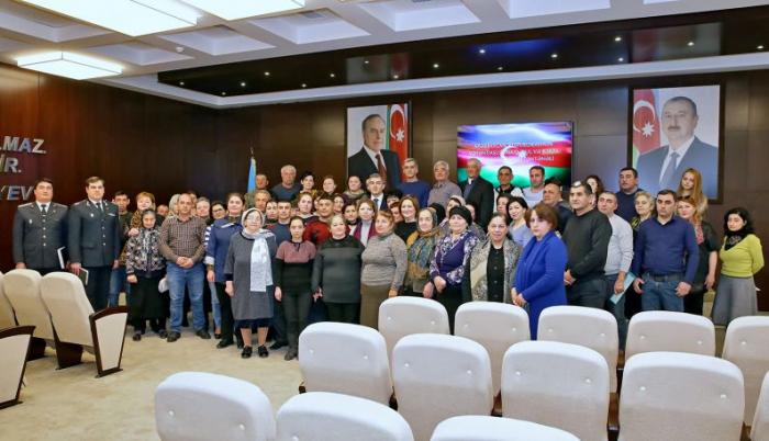 74 nəfər and içib Azərbaycan vətəndaşı oldu - FOTOLAR