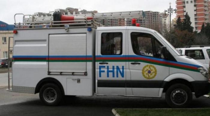 FHN çarpayıdan yıxılan xəstənin köməyinə çatdı