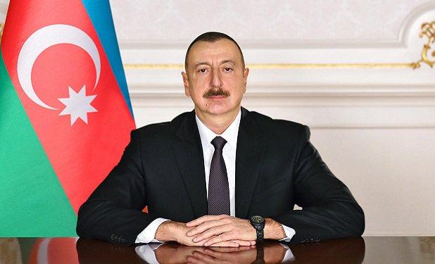 Presidente Ilham Aliyev llama por teléfono a Nazarbáyev