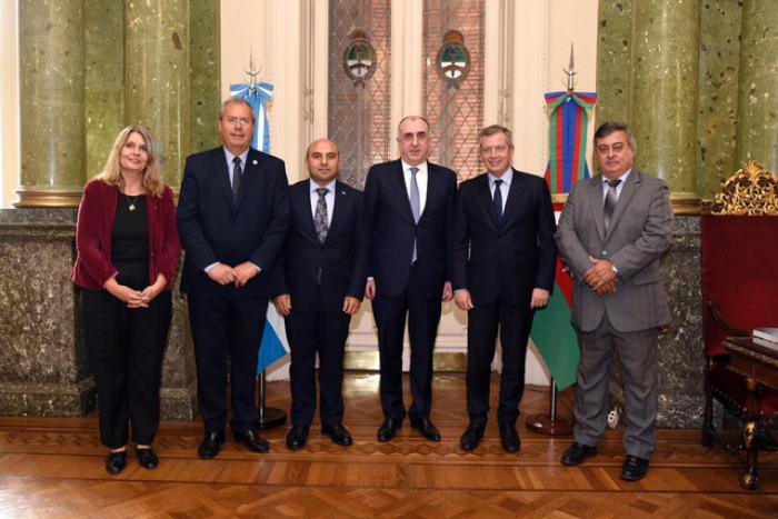 Monzó recibe al canciller azerbaiyano
