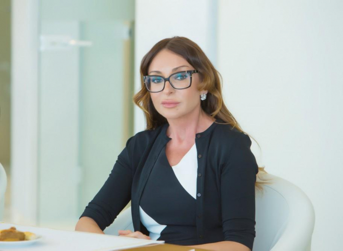 Primera Vicepresidenta Mehriban Aliyeva felicita a Dariga Nazarbayeva