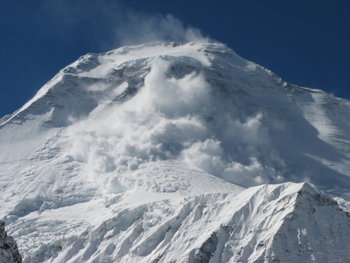 Two servicemen of Azerbaijani army fall under avalanche