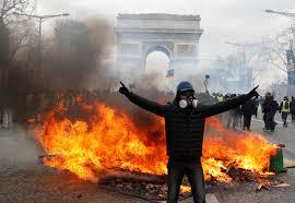 Violence returns as France
