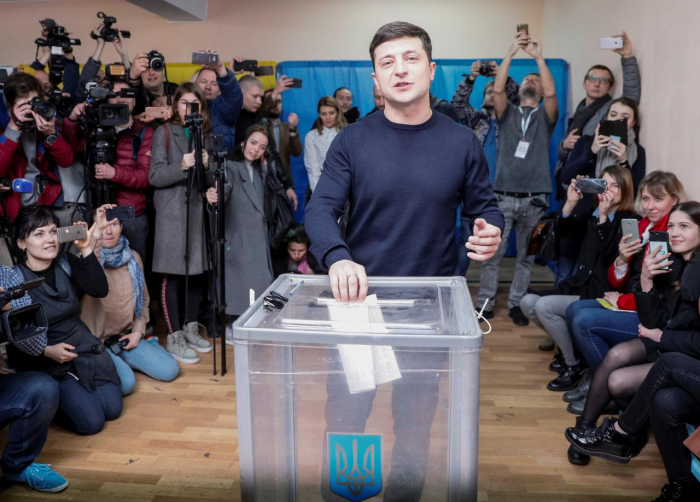 Comedian takes early lead in Ukraine presidential vote: exit polls - UPDATED