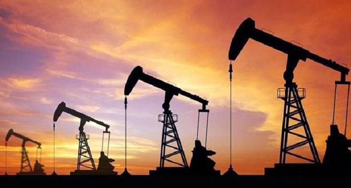 Le pétrole recule un peu avant une réunion de suivi de l