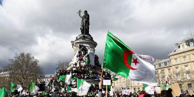 Quelques milliers de manifestants à Paris contre un 5e mandat de Bouteflika