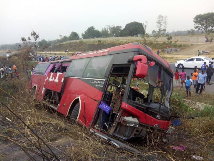Dəhşətli avtobus qəzası: Ölü sayı 70-dən çoxdur