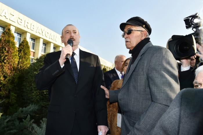 """""""Mənə verilən məktubların hər birinə baxılacaq"""" - Prezident (VİDEO)"""