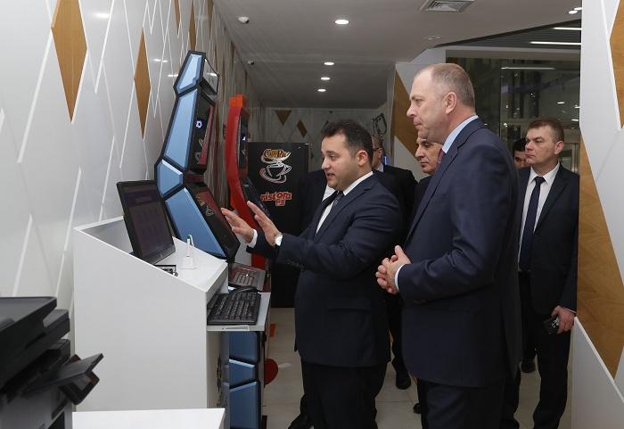 """Belarus İstintaq Komitəsinin rəsmiləri """"ASAN xidmət""""də - FOTO"""