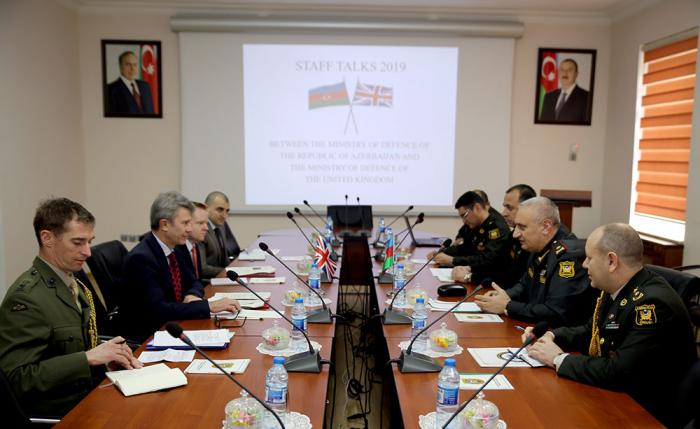 Azərbaycanla Britaniya arasında hərbi plan imzalandı