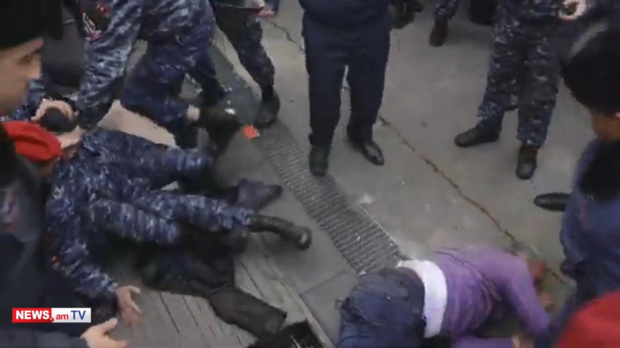 Opposition lawmaker suffers     injury during skirmish in downtown Yerevan -   VIDEO