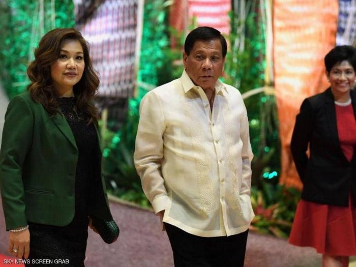 في حفل رسمي لتكريم النساء.. رئيس الفلبين يصفهن بلفظ مشين