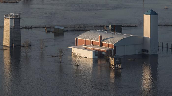 Se inunda la base de EE.UU. que aloja los