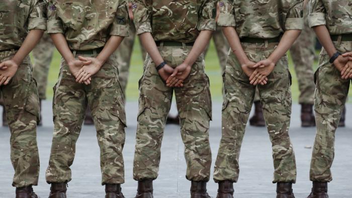 Filtran que el Reino Unido recluta filósofos, psicólogos y teólogos para sus planes de guerra psicológica