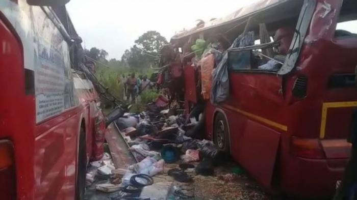 Ghana:   au moins 60 morts   dans une collision frontale d