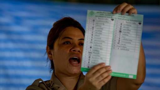 Les Thaïlandais votent pour la première fois depuis le coup d