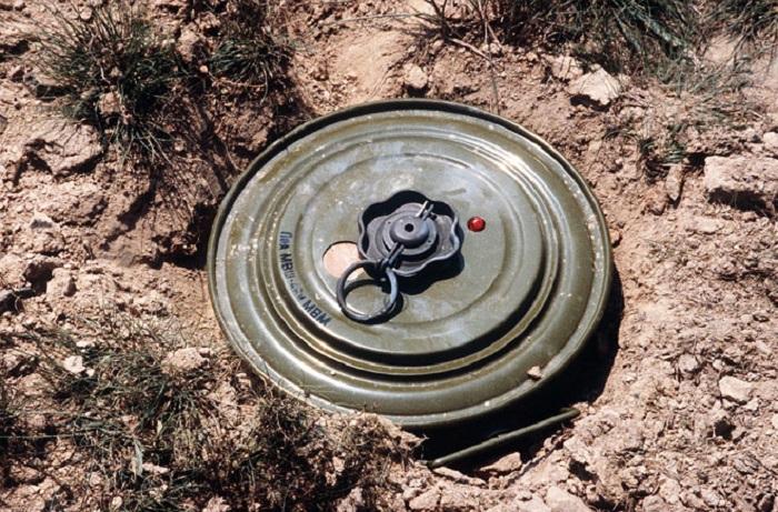 Erməni hərbçi Suriyada minaya düşüb