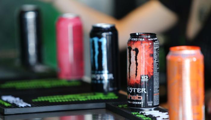 18 yaşı olmayanlara energetik içkilər satılmasın! - Təklif