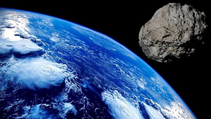 Yerə asteroid yaxınlaşır - VİDEO