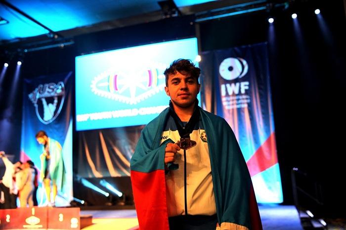 Rüstəm Qasımov dünya üçüncüsü oldu
