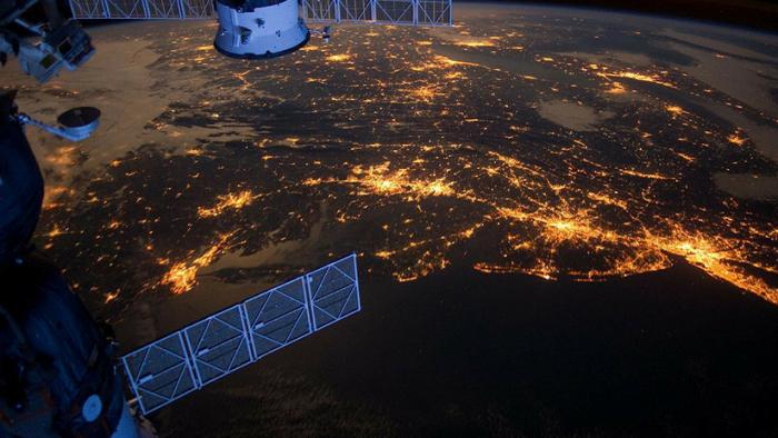 Envían al espacio 104 pequeños satélites orbitales del tamaño de sellos de correos