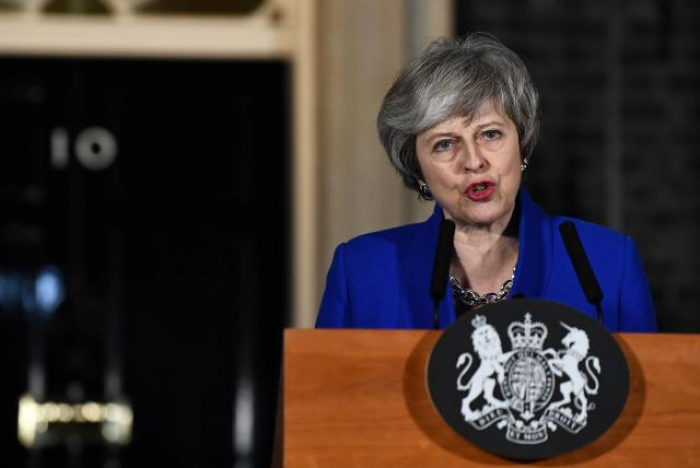 MPs urge May to heed them on alternative Brexit plans