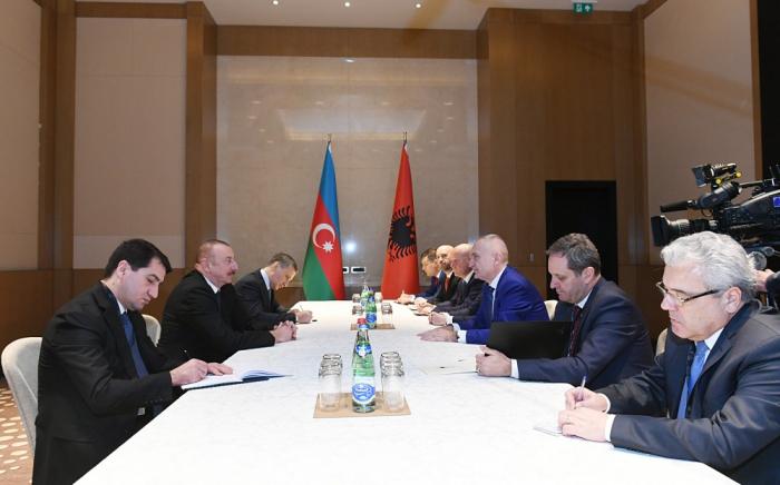 رئيس أذربيجان يلتقي برئيس ألبانيا