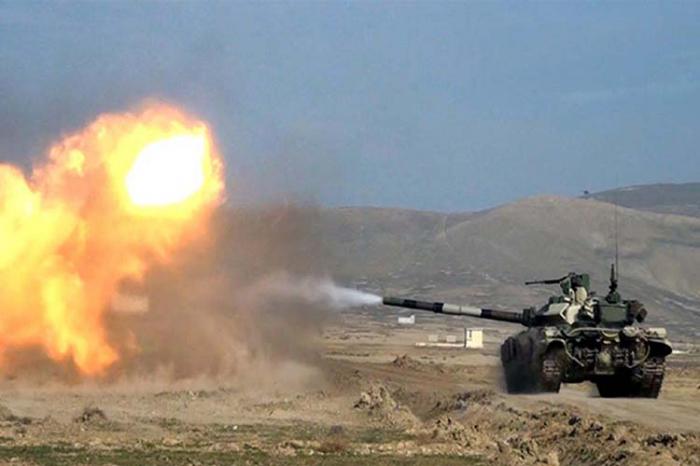Los armenios realizan los ejercicios miliatares en las tierras ocupadas de Azerbaiyán