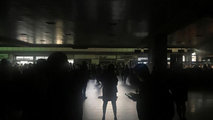 Reportan el segundo apagón del día en Venezuela