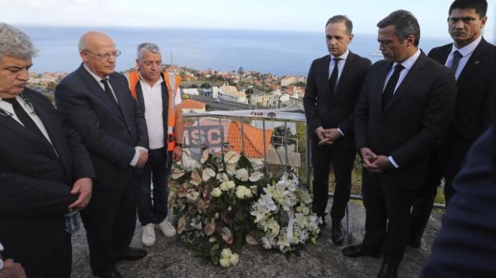 Maas besucht Verletzte auf Madeira