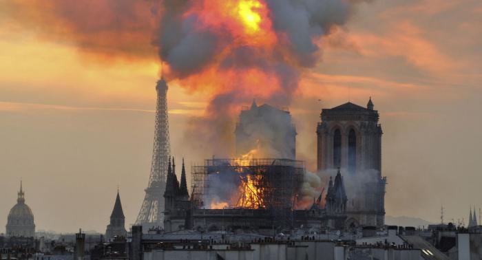 فرنسا تستعين بلعبة فيديو شهيرة لإعادة بناء كاتدرائية نوتردام