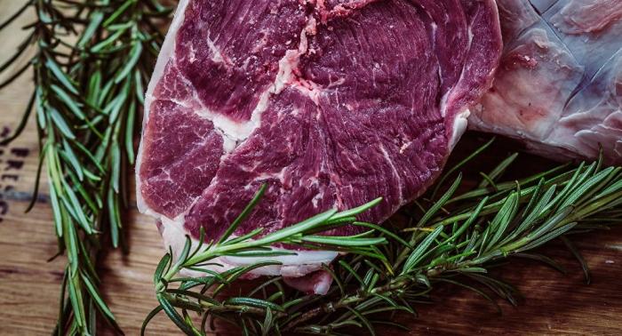 Éviter de manger cette viande diminue le risque de cancer
