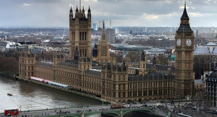 El Parlamento británico rechaza cuatro alternativas al plan de May sobre el Brexit
