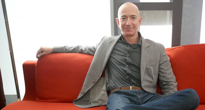 Revelan quién filtró los mensajes íntimos del fundador de Amazon