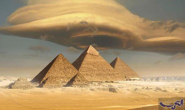فيلم وثائقي يكشف لُغز بناء الأهرامات