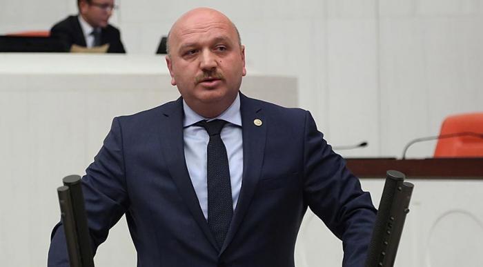 """Türk deputat İrəvanda erməniləri susdurdu: """"Qarabağ Azərbaycanındır"""""""