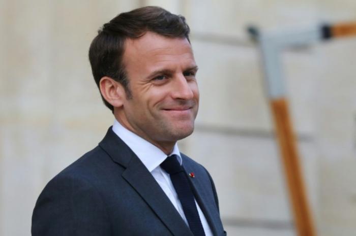 """Macron : nous rebâtirons la cathédrale Notre-Dame """"d"""
