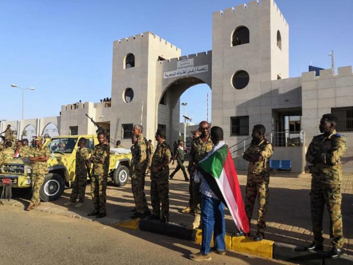 Soudan:  des militaires déployés aux points-clés de Khartoum